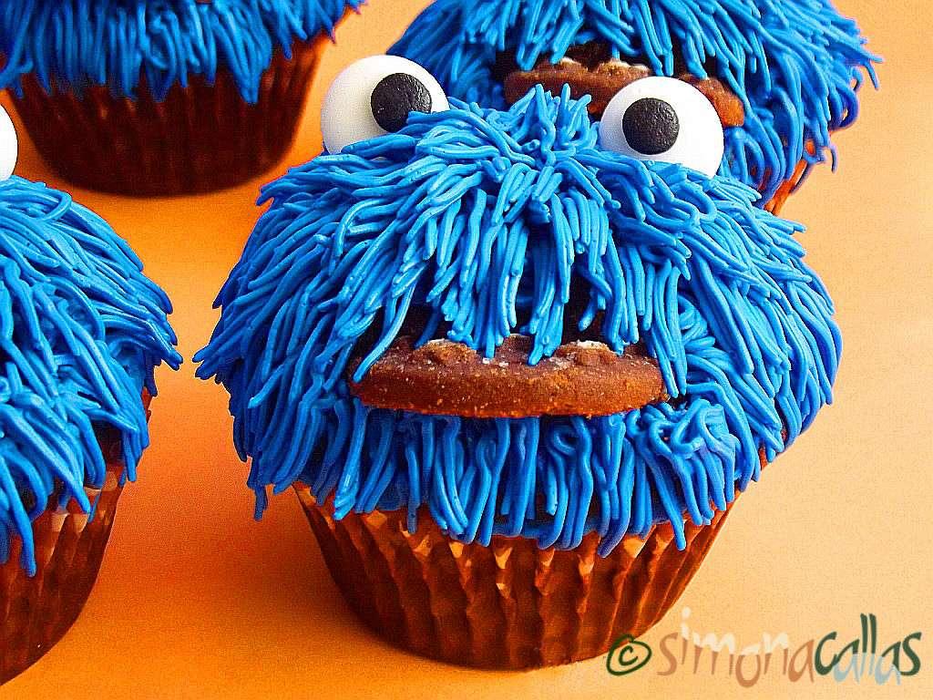 Cookie Monster Cupcakes cu ciocolata
