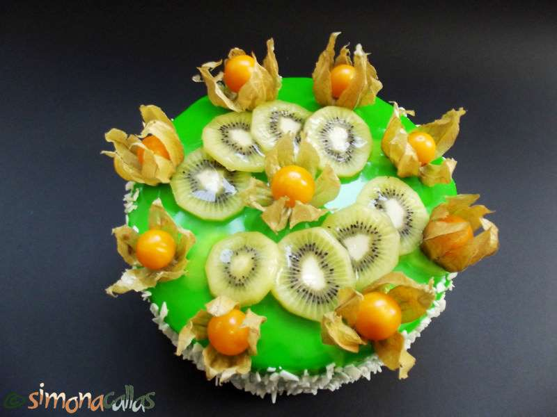 Tort-Exotic-Green-cu-fructe-si-ciocolata-3