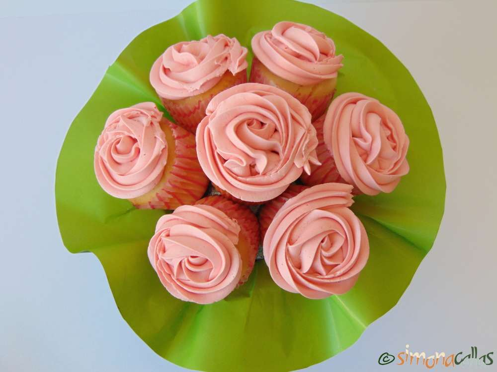 Cupcakes In The Pink With Cherries
