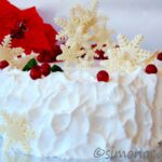 Tort de Craciun in alb si rosu / Red and White Christmas Cake