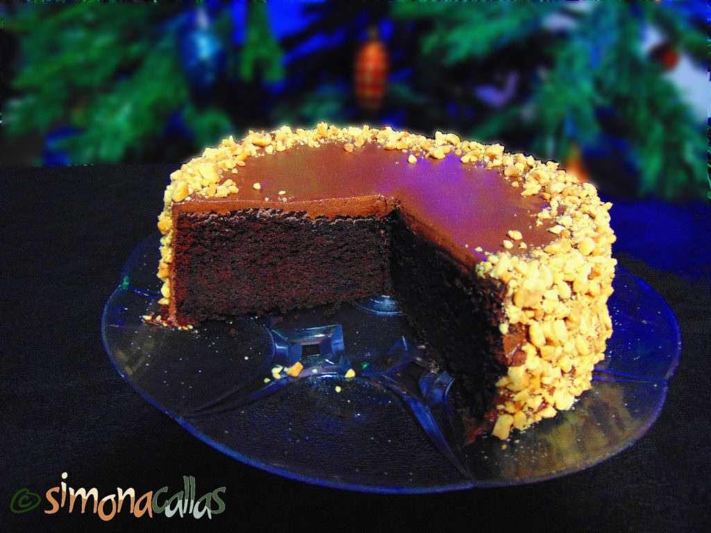 tort-simplu-cu-ciocolata-si-alune-4