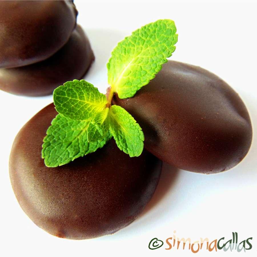 Fondante de ciocolata cu menta – bomboane de ciocolata