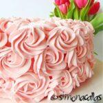 Tort Catifea roz cu sampanie si zmeura