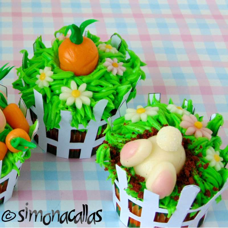 Cupcakes tematice de Paste cu morcovi si iepurasi :)