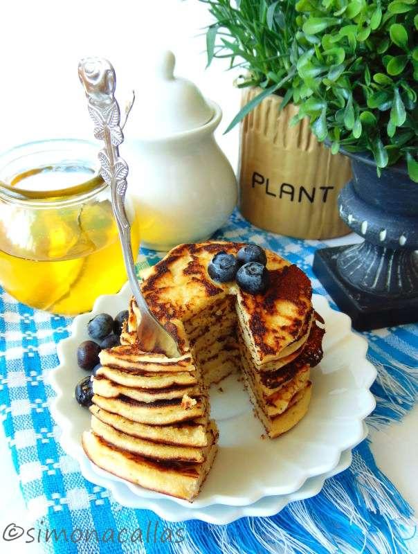 Pancakes-dietetice-cu-cocos-5