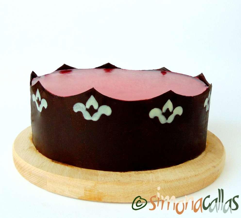 Tort entremet cu pere si caramel (+ciocolata, nuci si gutui)