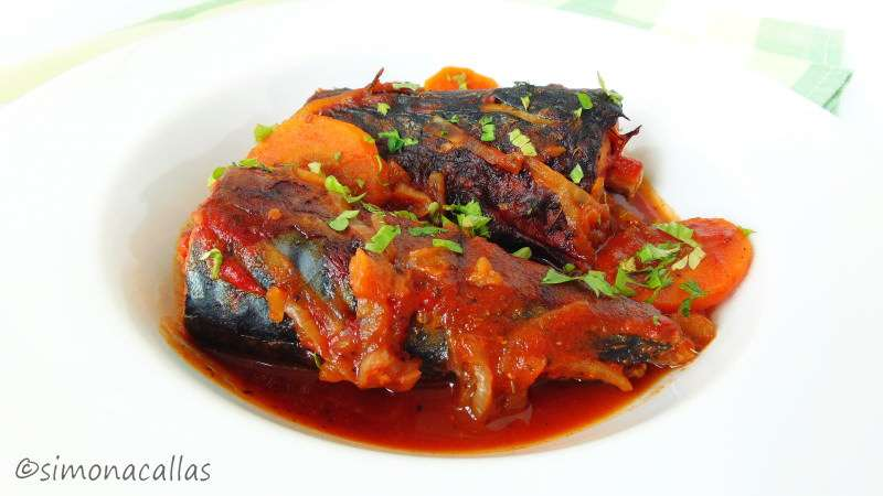 Low-Carb Baked Macquerel In Tomato Sauce
