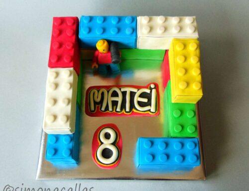 Lego Cake Tort Lego imbracat in fondant