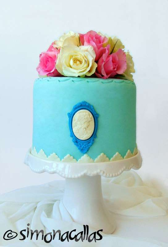 Shabby-Chic-Pink-Ombre-Cake-1
