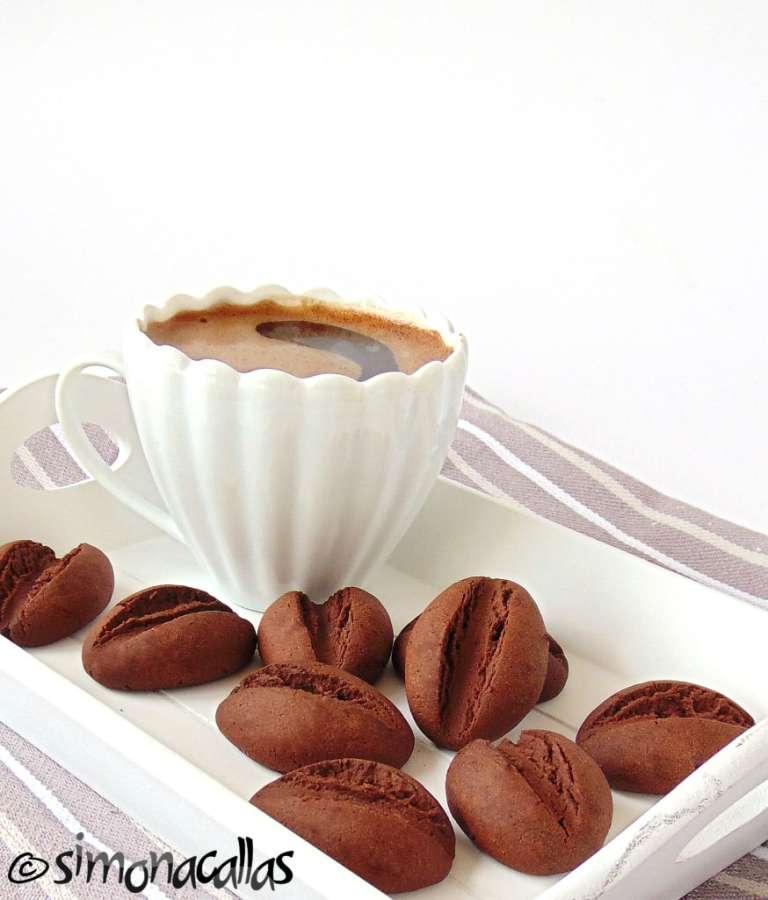 Fursecuri-boabe-de-cafea-3