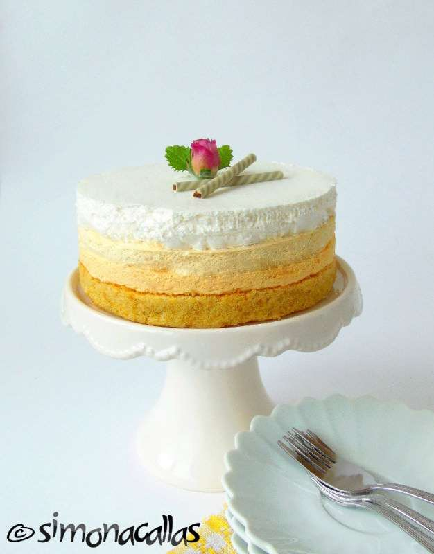 Vanilla Cake With Mango Or Pineapple Filling