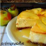 Cheesecake cu sos de mere – simplu si delicios
