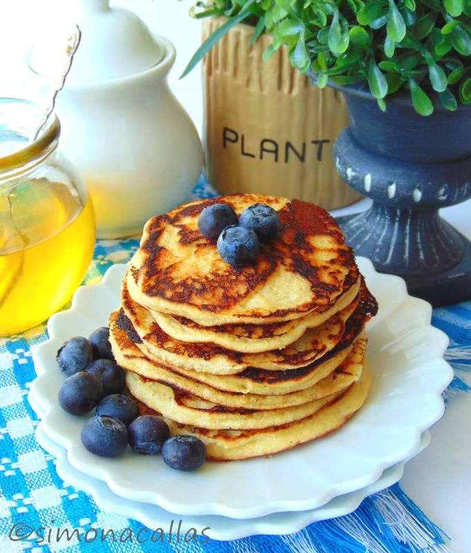 Low-carb-Coconut-Pancakes-1