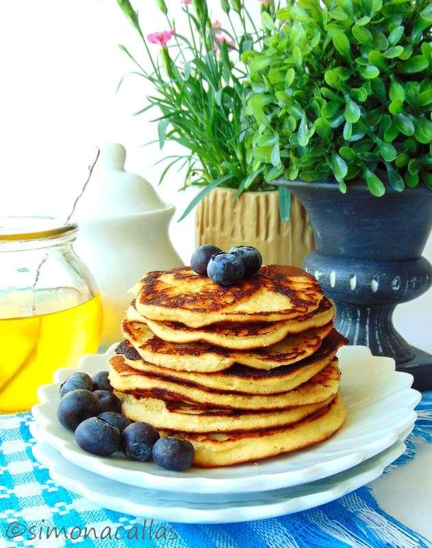 Low-carb-Coconut-Pancakes-2