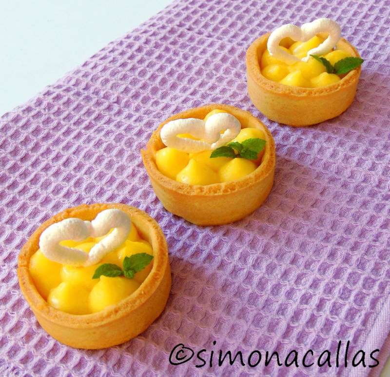Lemon-Meringue-Tartlets-3