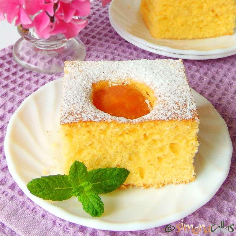 Prăjitura pandispan cu caise