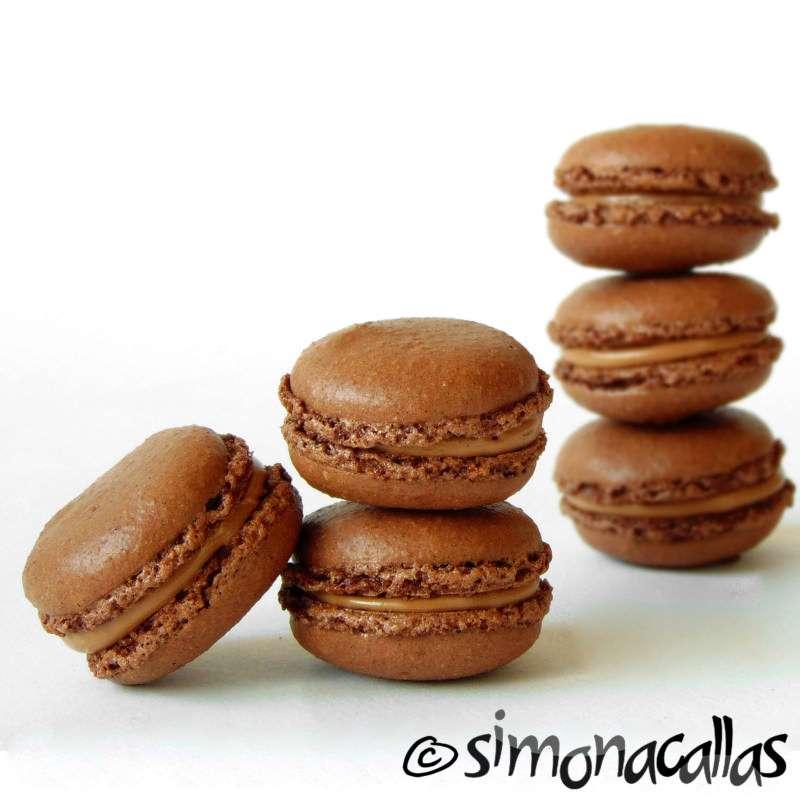 Chocolate-Macarons
