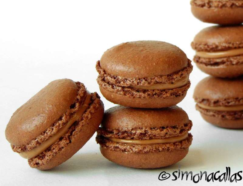 Chocolate-Macarons-4