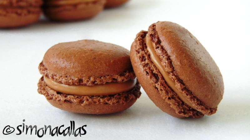 Chocolate-Macarons-5