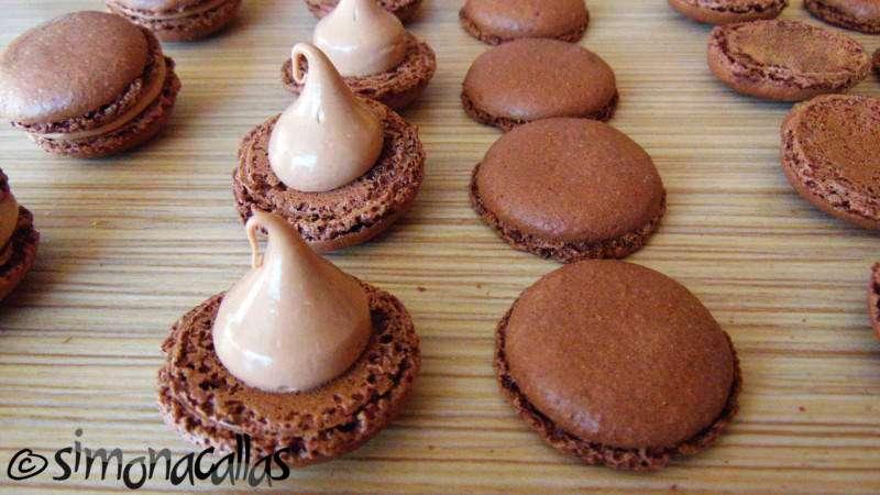 Chocolate-Macarons-d