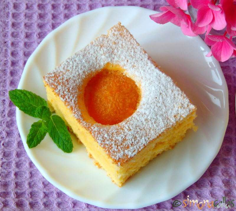 Fresh Apricot Sponge Cake Simonacallas