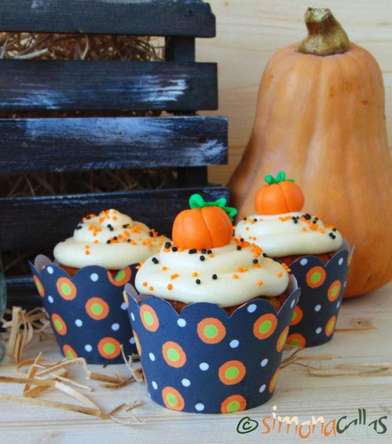 Cupcakes cu dovleac şi cremă de brânză 1