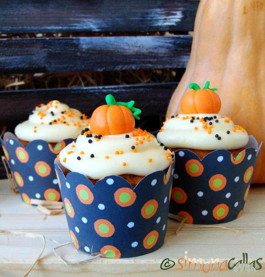 Cupcakes cu dovleac şi cremă de brânză