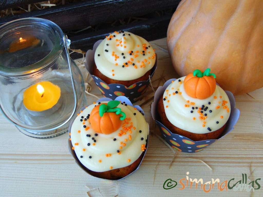 Cupcakes cu dovleac şi cremă de brânză 3