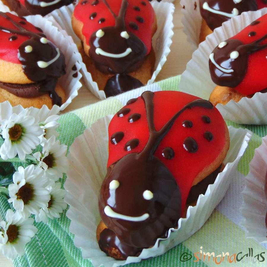 ladybug-mini-cakes