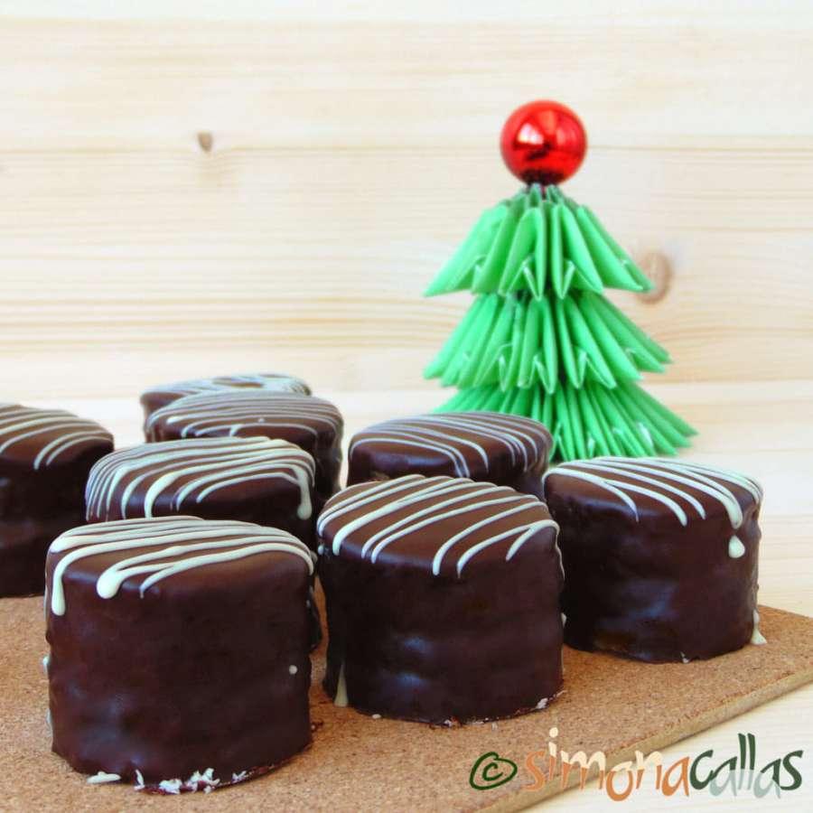 Mini prajituri cu ciocolata petit fours prajitura excelent