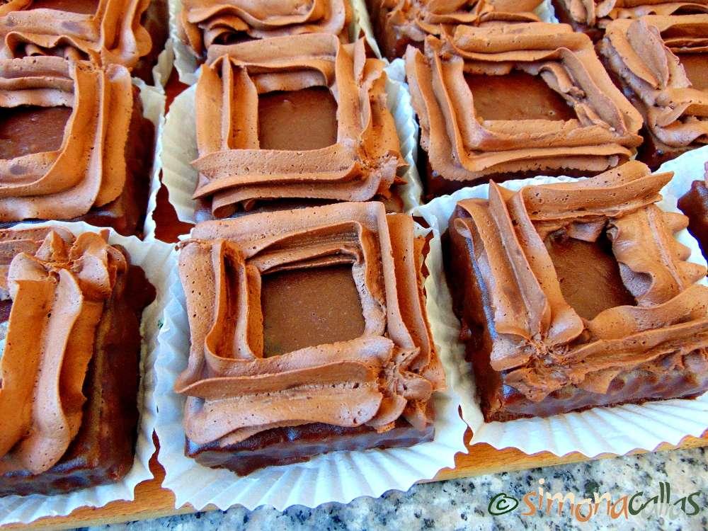 La Bohème Mono Portion Cake e