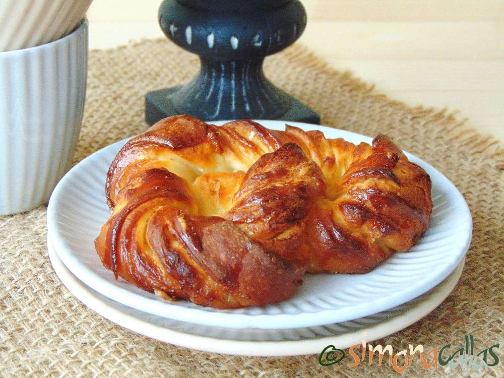 Soft Croissant Style Sweet Bagels 3