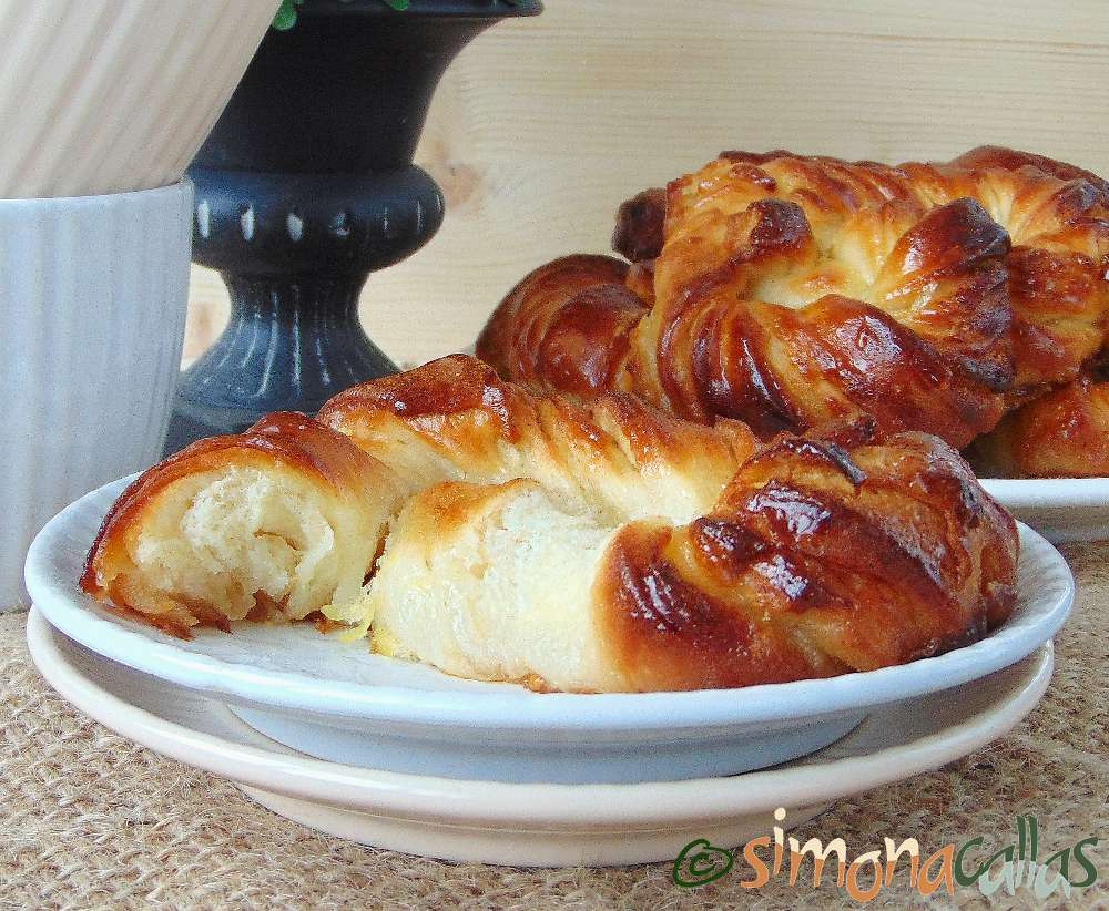 Soft Croissant Style Sweet Bagels 4