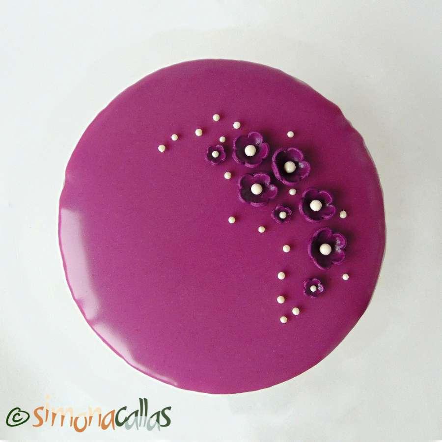 Tort Entremet cu violete si ciocolata