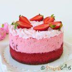 Red Velvet Cheesecake cu capsune si ciocolata