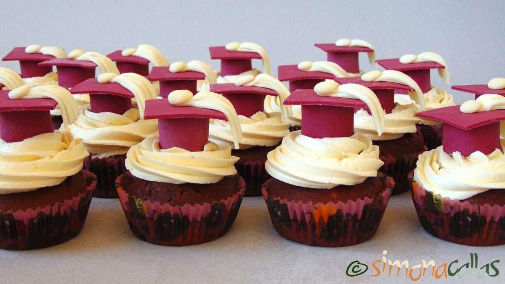 Cupcakes de absolvire cu ciocolata si alune