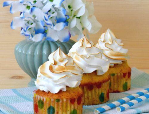 Cupcakes cu lamaie si bezea – un desert rapid si racoritor