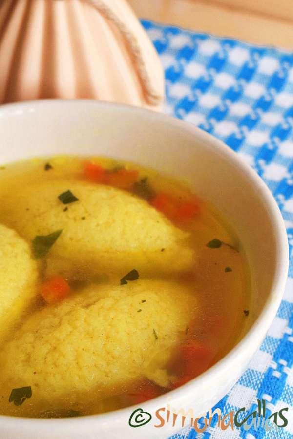 Supa de galuste fine si pufoase