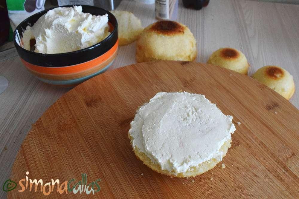 Tort alb cu crema de lamaie