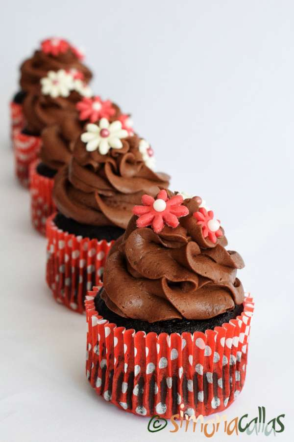 Cupcakes de post cu alune si ciocolata