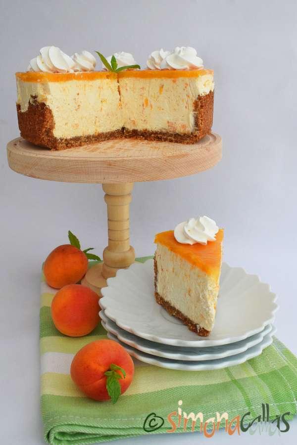 Cheesecake cu caise si ciocolata alba