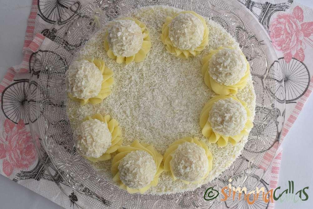 Tort Raffaello cu migdale ciocolata si cocos
