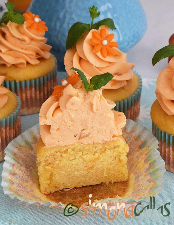 Cupcakes cu caise