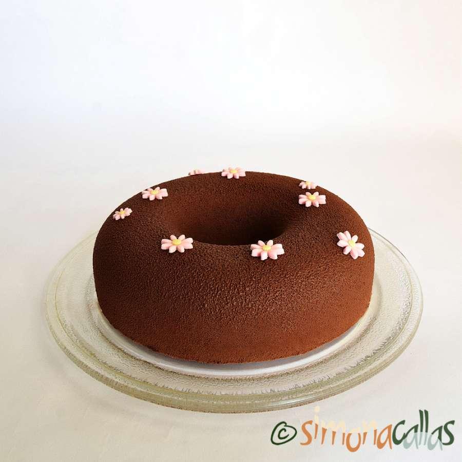 Tort de post cu ciocolata si fructe de padure