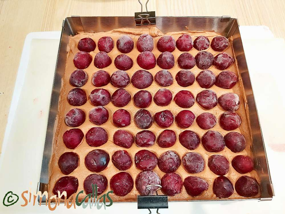 Mousse de ciocolata cu cirese