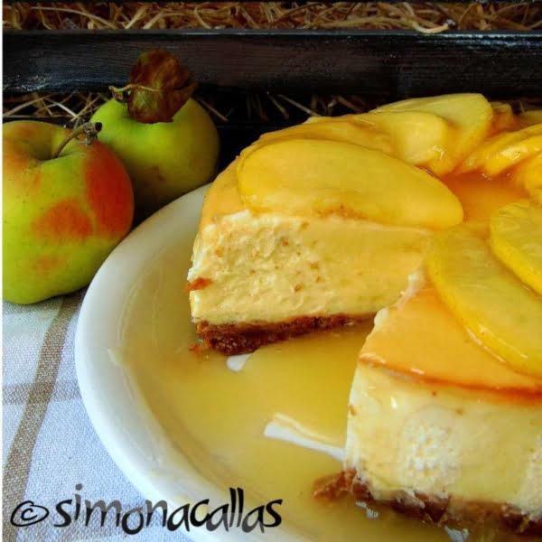 Cheesecake cu sos de mere