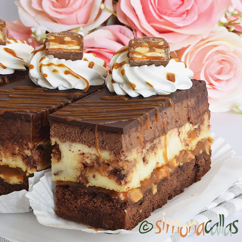 Snickers-Cheesecake-by-Simona-Callas-1